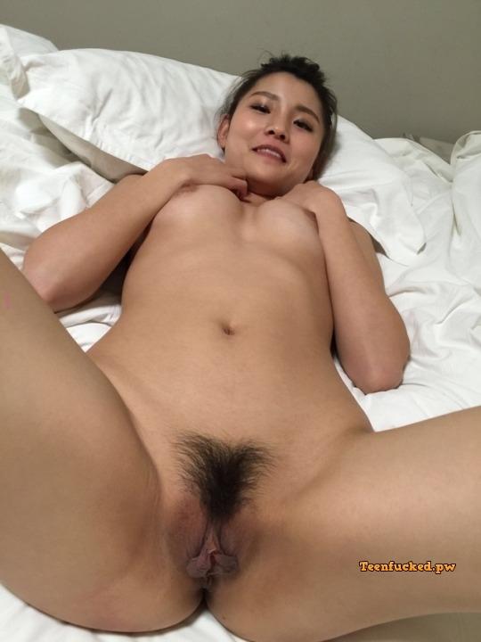 M uUqh iujM wm - Cute nude asian girl show pussy 2020
