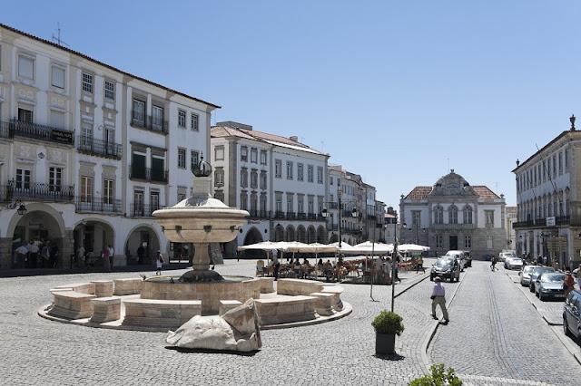 Ruas Comerciais em Évora