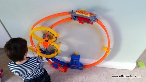 Hot Wheels Super Loop Chase Race Track Set Review   Helpful Mum