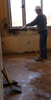 Wetting the walls and floor