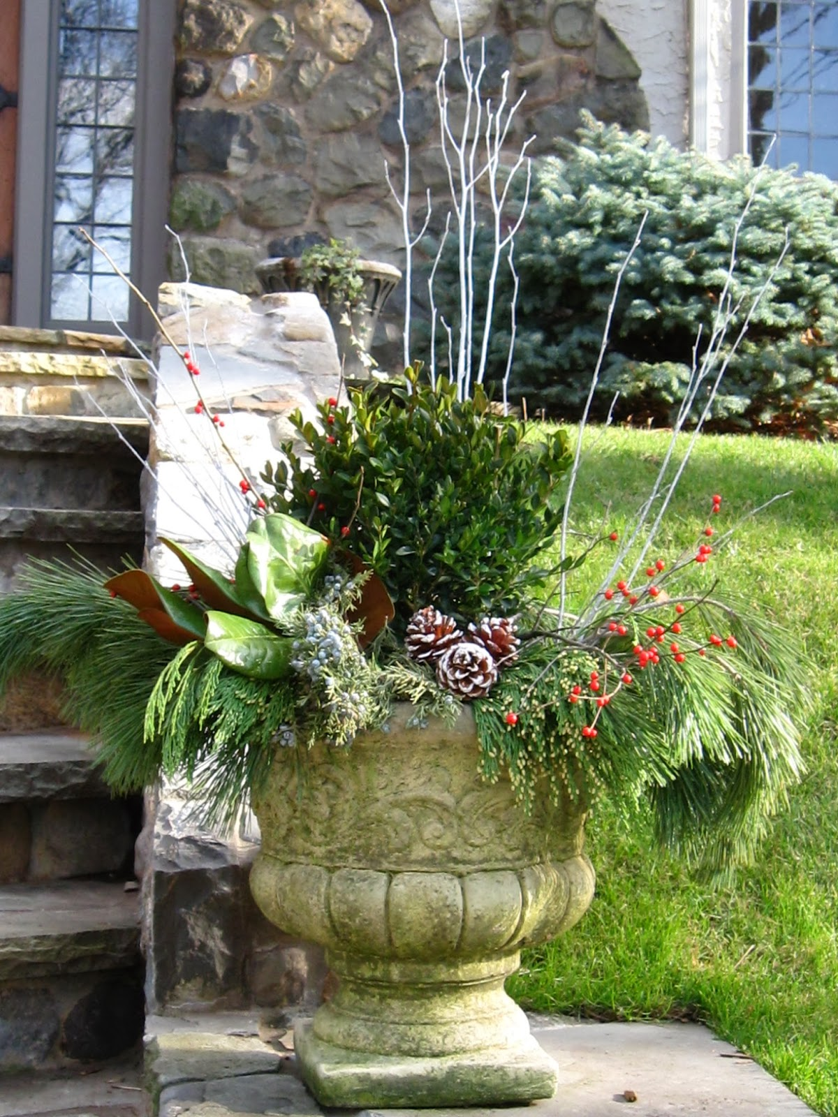 The Designer S Muse Let The Decorating Begin Five Steps To A Great Holiday Exterior