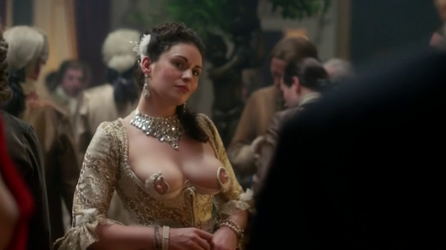 "Tetas del 2x02 ""Not in Scotland Anymore"" de Outlander"
