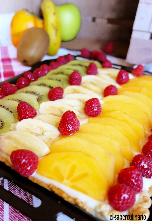 Tarta de frutas con crema pastelera de chocolate blanco