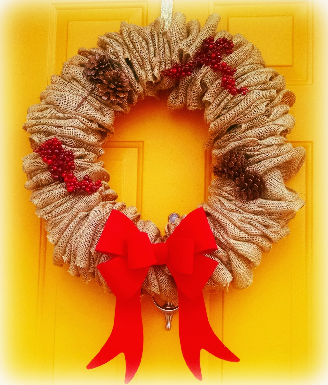 8a139e02d ... popular DIY crafts that explode all over Pinterest and Instagram. This  past fall I saw numerous posts and pins for handmade burlap wreaths.