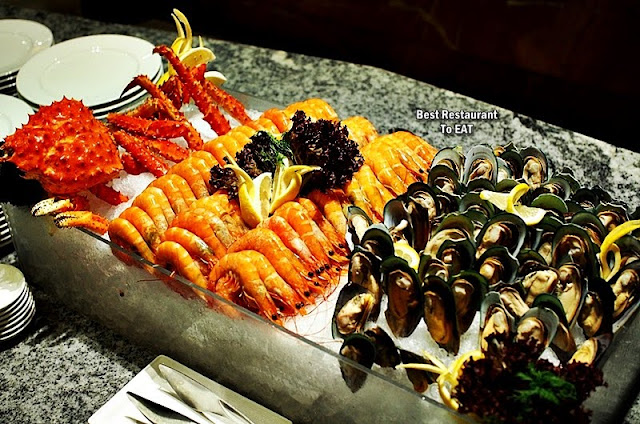 Feast Restaurant Sheraton PJ Hotel Buffet Seafood On Ice