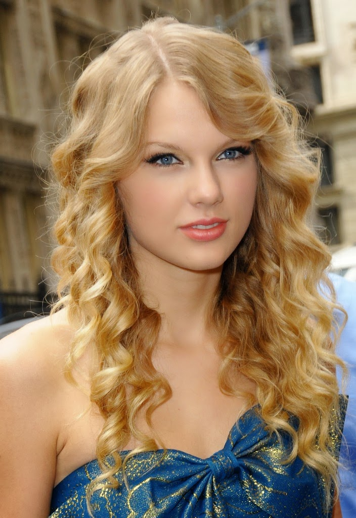 Taylor Swift Profile And Latest Photos 2013-14