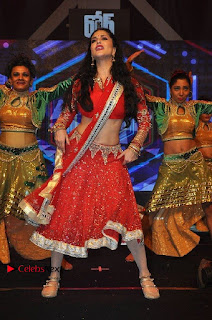 Bollywood Actress Model Sunny Leone Dance Performance in Red Half Saree at Rogue Audio Launch 13 March 2017  0080.jpg