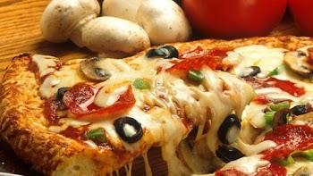 Τρως την πίτσα λάθος – Ενας ειδικός αποκαλύπτει το σωστό τρόπο