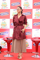 Kajol Looks super cute at the Launch of a New product McVites on 1st April 2017 10.JPG
