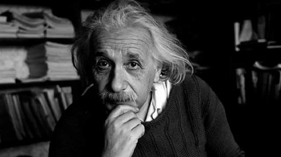 10 Citations D Albert Einstein Sur Le Succès