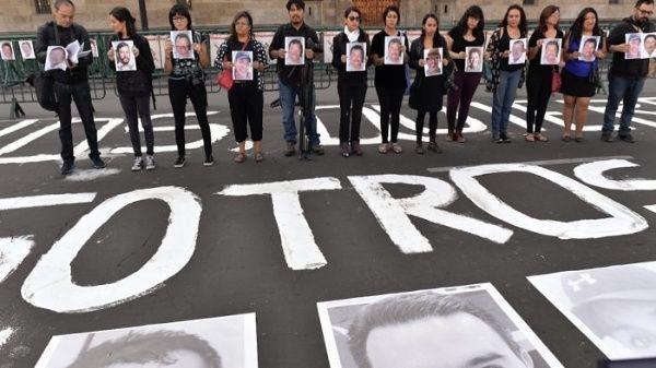 Periodistas protestan por asesinatos contra la prensa en México