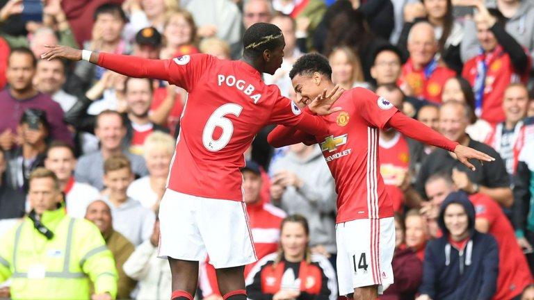 Manchester United dipaksa bermain imbang