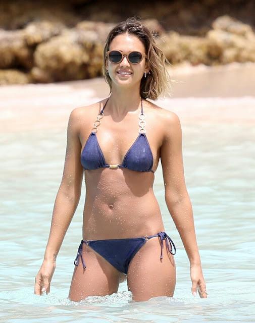 o JESSICA ALBA 570%25281%2529 1 - Jessica Alba Hot Bikini Images-60 Most Sexiest HD Photos of Fantastic Four fame Seduces Us Atmost