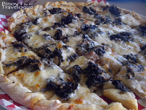 Republic Wakepark restaurant's Laing Pizza