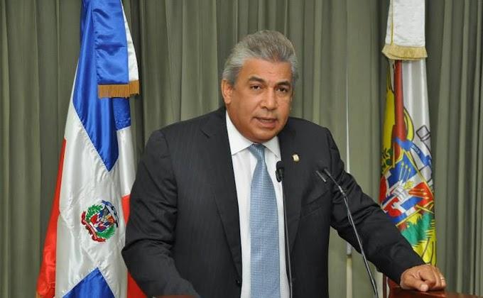 Cónsul de RD en NY aclara sobre advertencia de viajes a dominicanos en Estados Unidos