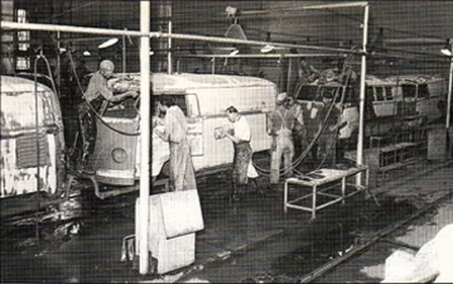 Bei 223 En Gedanken Vintage Car Assembly Line Photos