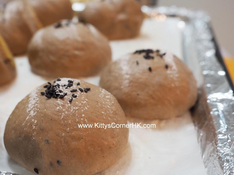 Muscovado Chestnut Bread DIY recipe 黑糖栗蓉麵包 自家烘焙食譜