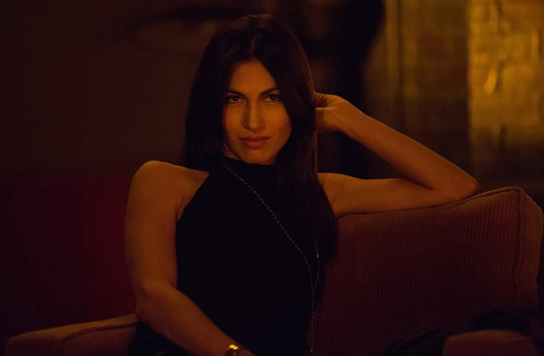 Jacquie Waller Lynn Porn - Watch Elektra Light Up The Night In Her Own Cinemagraph For DAREDEVIL:  SEASON 2!