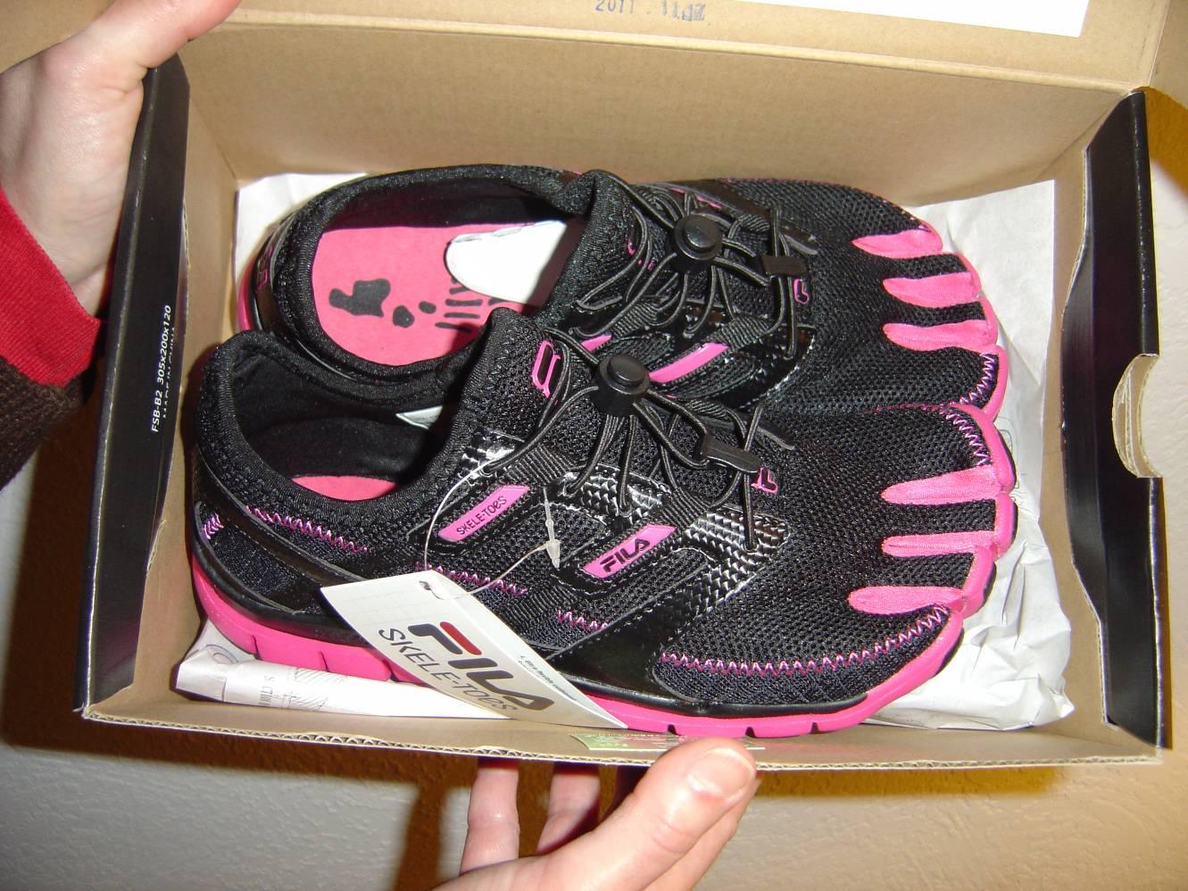 Fila Skele-Toes Lite Running Sneakers.jpeg