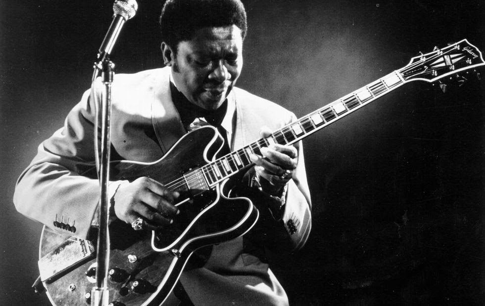 goodbye b b king here are 20 amazing portraits of king from between the 1940s and 1970s. Black Bedroom Furniture Sets. Home Design Ideas