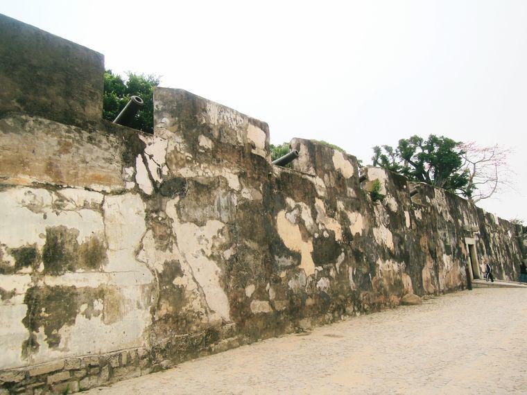 Wall at Fortaleza do Monte