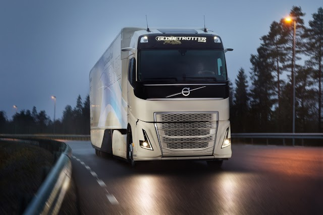 Physical Damage Coverage and Commercial Truck Insurance Policies: