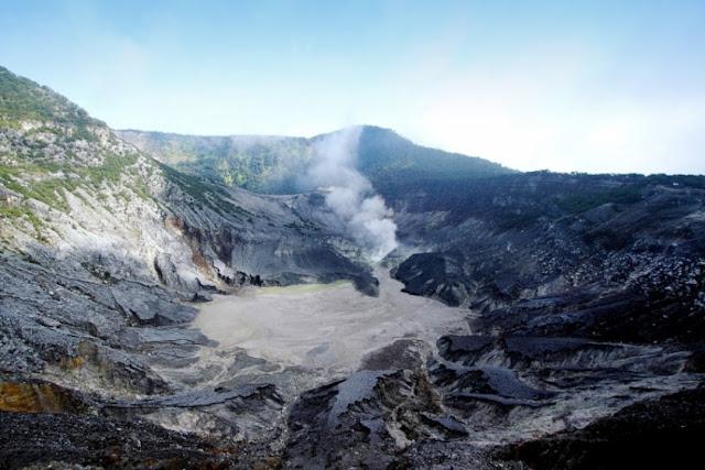 Gunung Tangkuban Perahu - Bandung