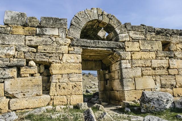 Puerta Este de la muralla de Hierápolis