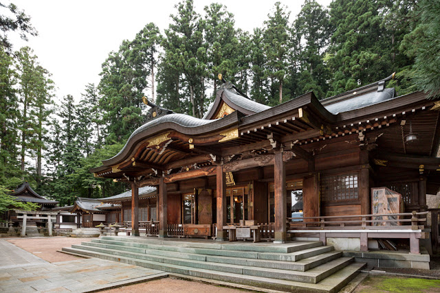 Templo de Takayama :: Canon EOS5D MkIII | ISO400 | Canon 17-40@17mm | f/6.3 | 1/80s