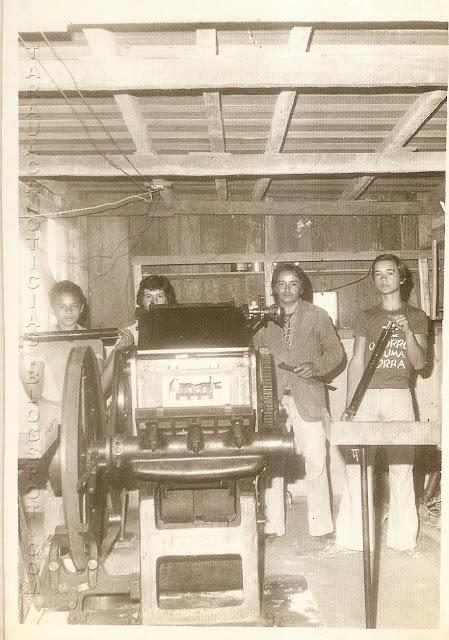 Máquina de impressão do jornal O Tarauacá, que era impresso no porão do Teatro Municipal. Década de 1970. Foto: Tarauacá Notícias