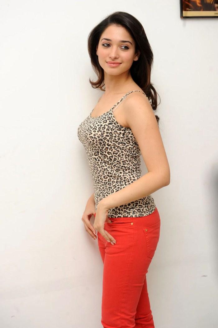 Sunny Leone Nude Hd Wallpaper