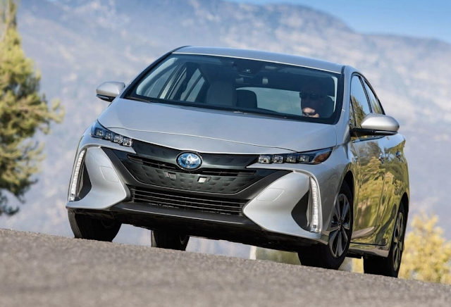 2019 Toyota Prius C Review
