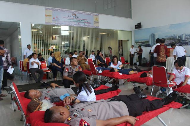 TNI, Polri turut Donor darah HUT PT. STTC