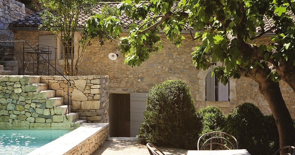 Marion decore grande maison proven al avec piscine - Maisons provencales photos ...