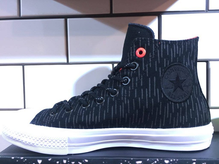Converse Counter Climate Collection - Fall/Winter 2016   Chuck Taylor All Star II: SHIELD CANVAS - Black Lava (SRP: Php 4,550)