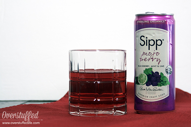 Sipp Organic Sparkling beverage mojo berry