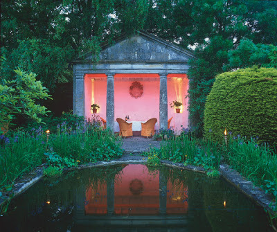 http://www.linenandlavender.net/2013/05/the-english-garden.html