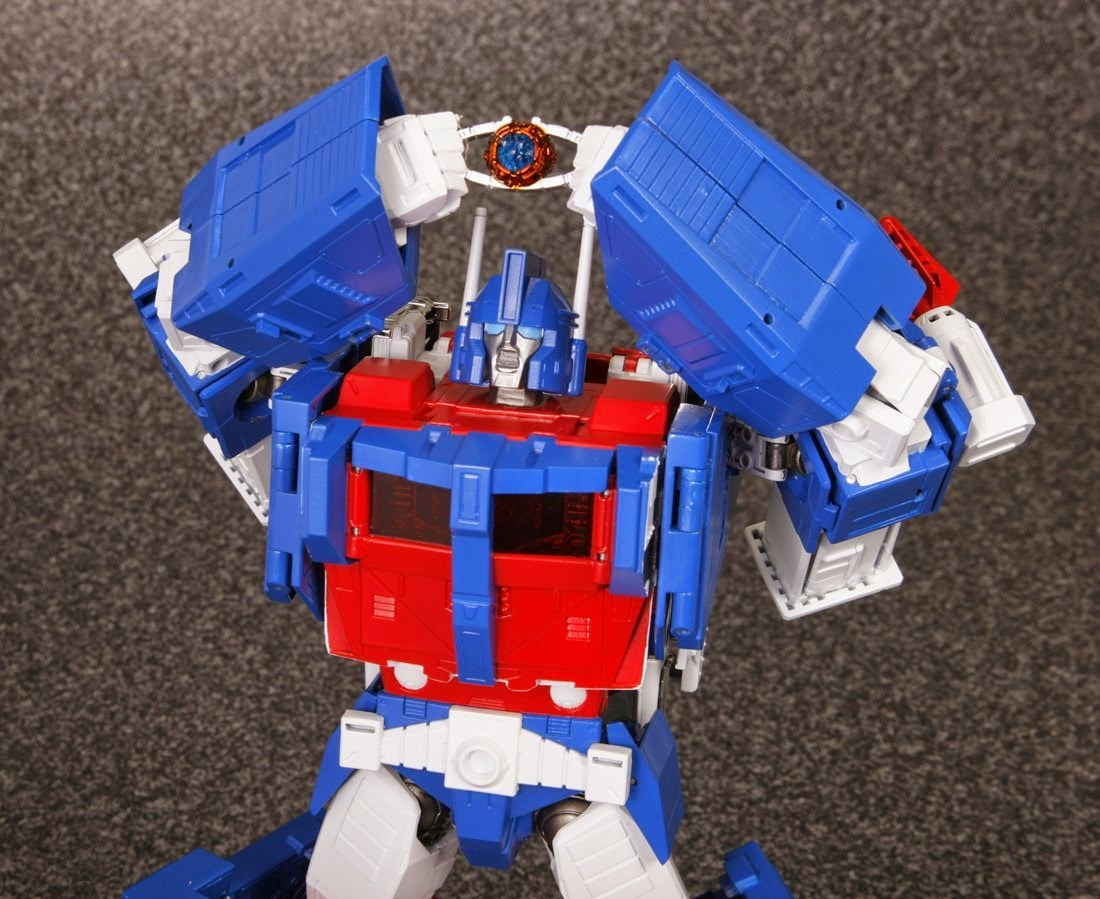 MP-22 Ultra Magnus by TakaraTomy