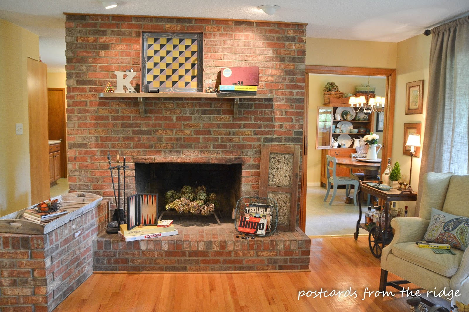 Vintage games and how to use them in your decor Decorative hearth