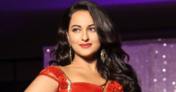 Bolly Break News Latters: Sonakshi Sinha Red Saree Hot