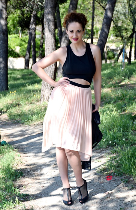 outfit-vestido-rosa-asimetrico-8