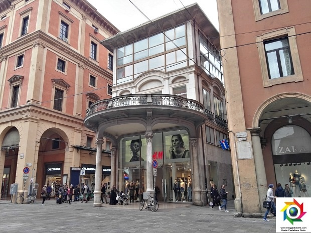 H&M Bologna