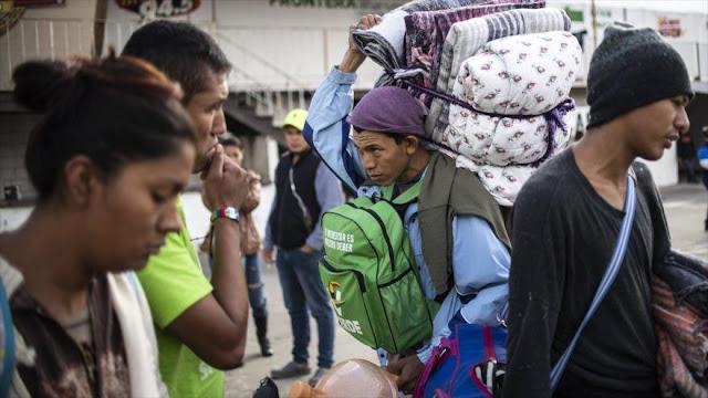Migrantes en huelga de hambre llegan a la frontera de EEUU
