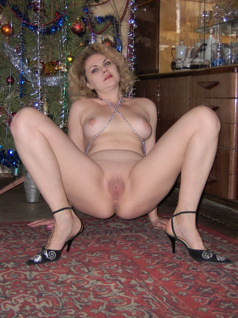 spread mature nude wives
