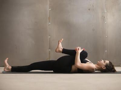 gerakan%2Bolahraga%2Bbangun%2Btidur%2B3 - Lakukan 5 Gerakan Olahraga ini Setiap Bangun Tidur