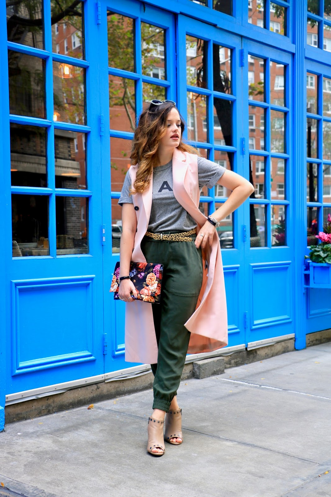Nyc fashion blogger Kathleen Harper shows how to wear joggers