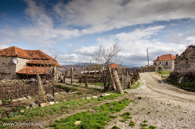 Zovik (Зовиќ) – village in Mariovo region, Macedonia