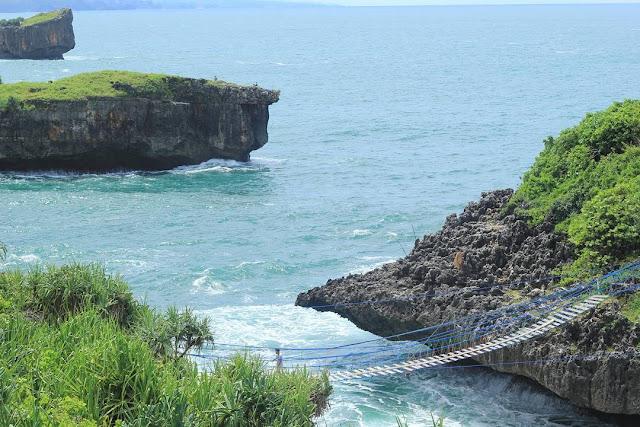 pulau glatik kalong gunungkidul