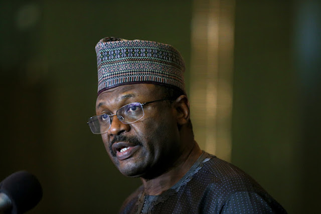 Buhari Holds Secret Midnight Meeting With INEC Chairman