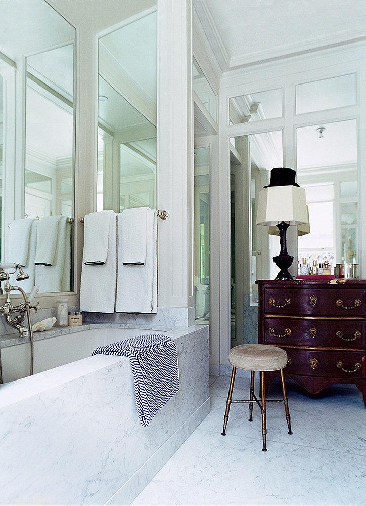 9 idee per ingrandire la casa con gli specchi home - Specchi in casa ...